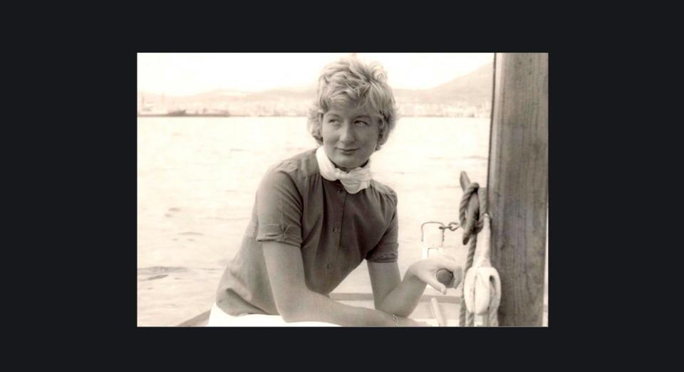 Annabel en un bote en la Isla de Wight (1959)