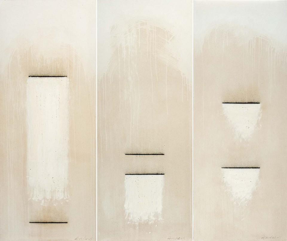 Fuentes 16 - tríptico (2003) 187 x 217 cm. Serie FUENTES Acrílico y carboncillo sobre tela y caseína.